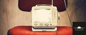 radio-407112_1920